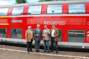 (v.l.n.r.) Horst Fischer, Albert Glöckner, Rainer Thiel und Harald Holler am Bahnhof Rommerskirchen