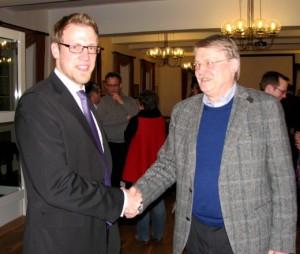 Benedikt Winzen gratuliert Holger Tesmann