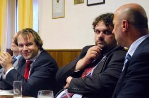 Stehen für einen starken öffentlichen Nahverkehr: Martin Mertens, Guido van den Berg und Rainer Thiel (v.l.n.r.)