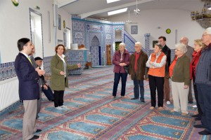 """""""Zu Besuch bei Freunden"""" - AG60plus besucht die Grevenbroicher Moschee"""