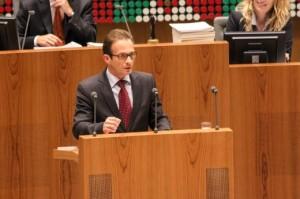 Reiner Breuer im Plenum des Landtages