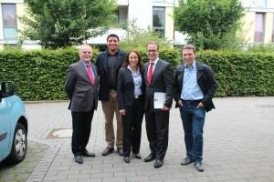 Generalsekretärin Yasmin Fahimi (MItte) zusammen mit dem Neusser SPD-Vorsitzenden Benno Jakubassa, Stadtverordneter Heinrich Thiel, Bürgermeisterkandidat Reiner Breuer MdL und stlv. SPD-Vorsitzender Michael Ziege