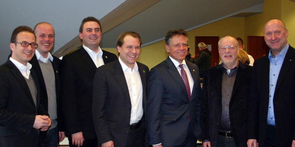 (v.l.n.r.) Bürgermeister Reiner Breuer, Bürgermeister Klaus Krützen, Bürgermeister Erik Lierenfeld, Bürgermeister Dr. Martin Mertens, Landrat Hans-Jürgen Petrauschke, stv. Landrat Horst Fischer und SPD-Fraktionsvorsitzender Rainer Thiel MdL